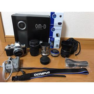オリンパス(OLYMPUS)の【期間限定価格】OM-D E-M10Mark2 WZキット+レンズ3本他(ミラーレス一眼)