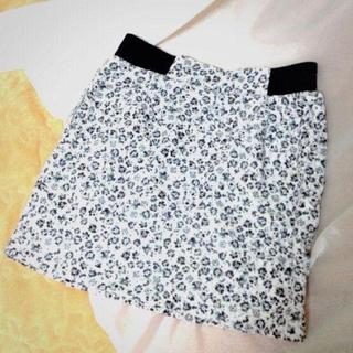 ローリーズファーム(LOWRYS FARM)の花柄タイトスカート(ミニスカート)