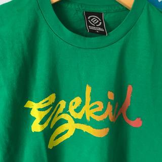 イズキール(EZEKIEL)のUSED Ezekiel イズキール US限定グラデーションロゴTシャツS(Tシャツ/カットソー(半袖/袖なし))