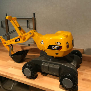 【送料無料】Rolly toys ローリートイズディガーCAT(三輪車/乗り物)