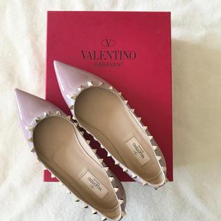 ヴァレンティノ(VALENTINO)の極美品 valentio ヴァレンティノ ロックスタッズ フラット ピンク 正規(バレエシューズ)