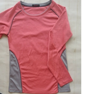ジーユー(GU)のトレーニングウェア(Tシャツ(長袖/七分))