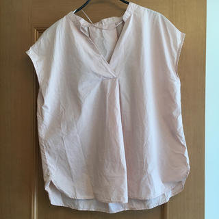 ジーユー(GU)のGU♡ピンクベージュシャツ(シャツ/ブラウス(半袖/袖なし))