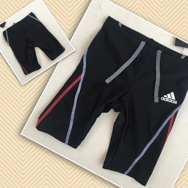 adidas(アディダス)の新品 アディダス ラッシュガード&スイムパンツ 110 キッズ/ベビー/マタニティのキッズ服 男の子用(90cm~)(水着)の商品写真