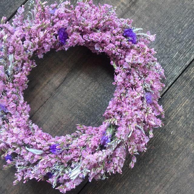 ドライフラワー ピンクのリモニウムミニリース ハンドメイドのフラワー/ガーデン(リース)の商品写真