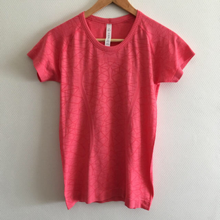 ルルレモン(lululemon)の*outlet* lululemon size6 T-shirt(ヨガ)