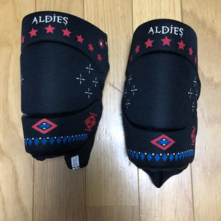 アールディーズ(aldies)のALDIES ニーパッド Free Size(その他)