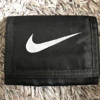 ナイキ(NIKE)のナイキ 折りたたみ財布 小銭入れ 黒(折り財布)
