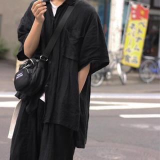 ランチキ(RANTIKI(乱痴気))のバディーヤ Badhiya リネンシャツ 黒(シャツ)