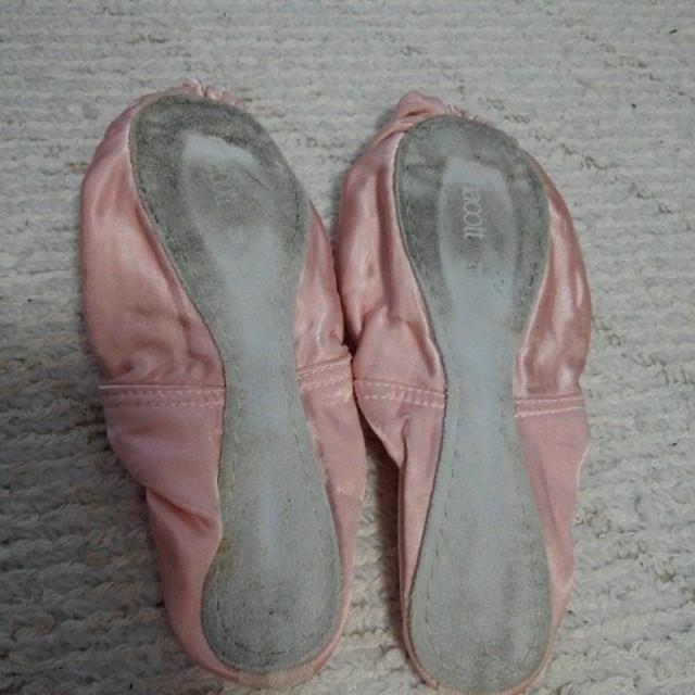 バレエシューズ サテン レディースの靴/シューズ(バレエシューズ)の商品写真