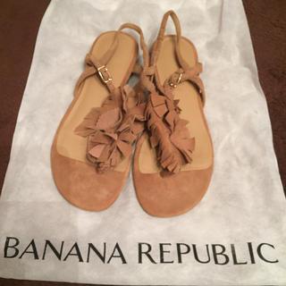 バナナリパブリック(Banana Republic)のリアルスエード フリンジサンダル★美品(サンダル)