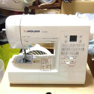 ジャガー(Jaguar)のジャガーコンピューターミシン CD-2203W ホワイト(その他)