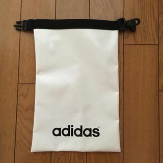 アディダス(adidas)のadidas ポーチ(ウエストポーチ)
