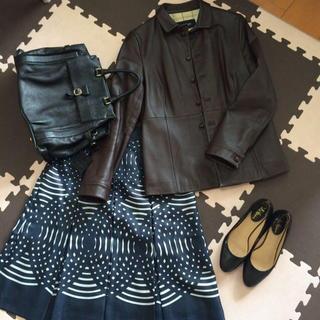 ヨンドシー(4℃)の4℃ ネイビースカート(ひざ丈スカート)