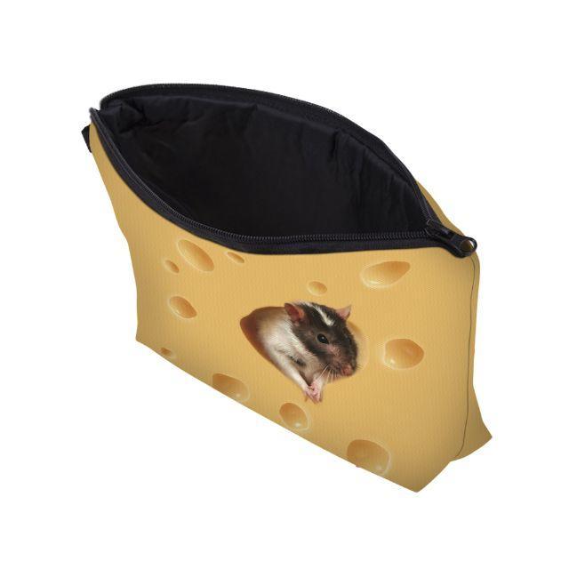 ねずみ ネズミポーチ ネズミコスメポーチ♪ 新品未使用品 送料無料 レディースのファッション小物(ポーチ)の商品写真
