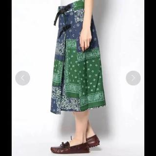ビームス(BEAMS)の限定 ビームス 購入 ワイルドシングス バンダナ柄 ラップ スカート(ひざ丈スカート)