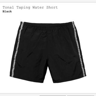 シュプリーム(Supreme)のsupreme Tonal Taping Water Short sサイズ(その他)