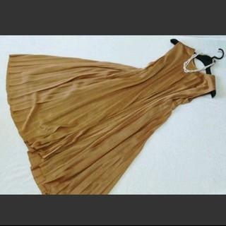 スコットクラブ(SCOT CLUB)の新品スコットクラブ購入ゴールドプリーツワンピースドレス(ミディアムドレス)