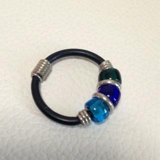 指輪 ブルーの三連石(リング(指輪))