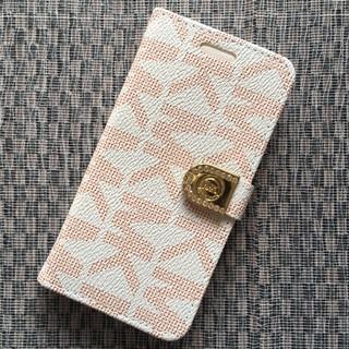 マイケルコース(Michael Kors)のiPhone7 / 8 ホワイト/レッド ストーン付き 手帳型ケース(iPhoneケース)