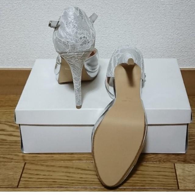 vanitybeauty(バニティービューティー)の新品 バニティビューティー パンプス シルバー×レース ブライダル 24.5cm レディースの靴/シューズ(ハイヒール/パンプス)の商品写真