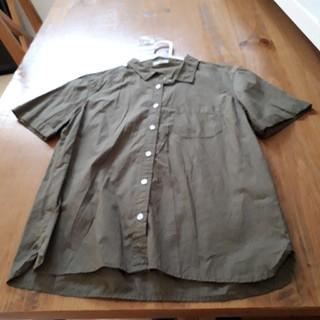 ジーユー(GU)の未使用 GU  シャツ(シャツ/ブラウス(半袖/袖なし))