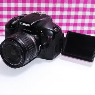 キヤノン(Canon)の⭐思い出を形に⭐自撮りも楽々 Canon kiss x5 レンズキット(デジタル一眼)