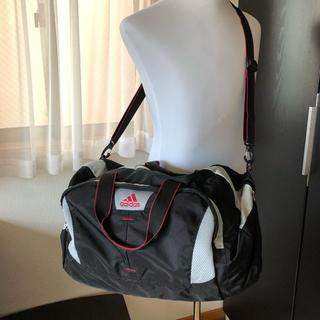 アディダス(adidas)の●アディダスadidas/大きめボストンバッグ 2way 黒×白×赤 大容量(ボストンバッグ)