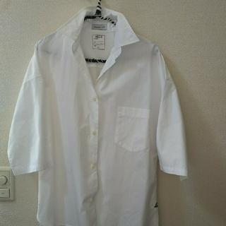 マディソンブルー(MADISONBLUE)のマディソンブルー  J.  BRADLEY シャツ  ホワイト 01(シャツ/ブラウス(長袖/七分))