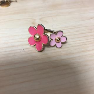 エイチアンドエム(H&M)のお花のリング 指輪 ピンク 美品(リング(指輪))
