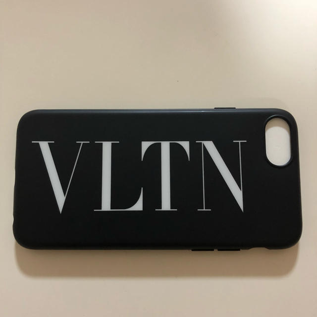 cheap for discount 788e7 a0fe7 VALENTINO iPhoneケース | フリマアプリ ラクマ