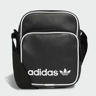 アディダス(adidas)のadidas originals ショルダーポーチ(リュック/バックパック)
