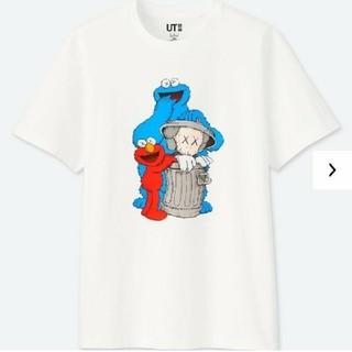 ユニクロ(UNIQLO)の最安★UNIQLO kaws セサミストリート コラボ tee★4XL(Tシャツ/カットソー(半袖/袖なし))