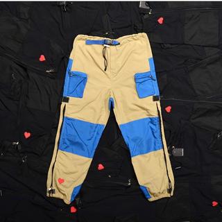 ナイキ(NIKE)のround two sean pants beige パンツ XL ショーン(ワークパンツ/カーゴパンツ)