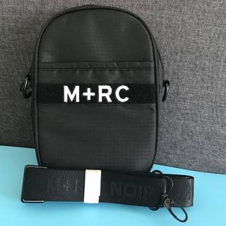 M+RC NOIR マルシェノア ショルダーバッグ ボディバッグ ブラック(ボディーバッグ)