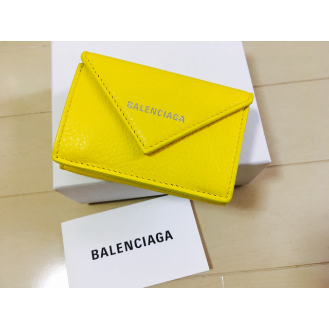 buy online f91a4 8f08a バレンシアガ 人気財布 イエロー パリ購入