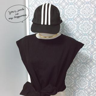 アディダス(adidas)の【adidas】三本ラインロゴ刺繍キャップ✩︎美品(キャップ)