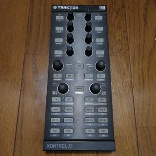 TRAKTOR KONTROL X1 native instruments(DJコントローラー)