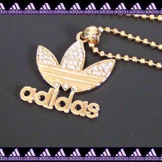 アディダス(adidas)の◇ラインストーンでかロゴチェーンネックレス◇ゴールド(ネックレス)