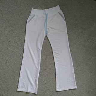 ユニクロ(UNIQLO)のユニクロ  白ズボン  M(その他)