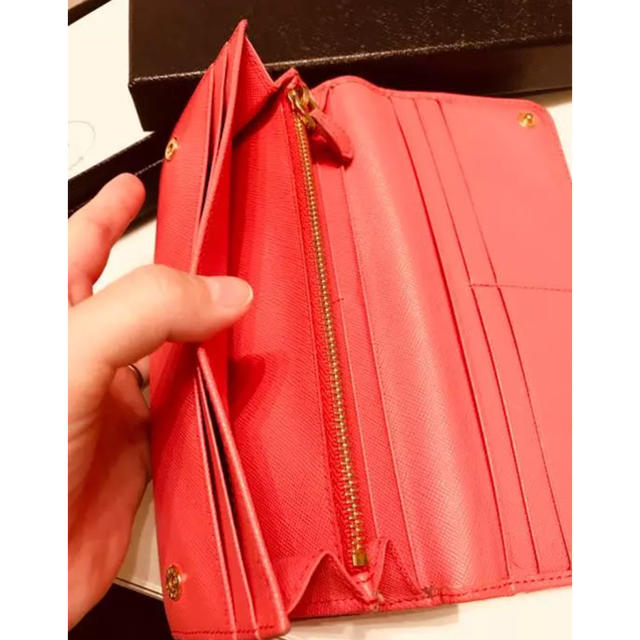 211398aee51b PRADA - 【値下げ交渉OK】PRADA プラダ 長財布 レッド、ピンクの通販 by ...