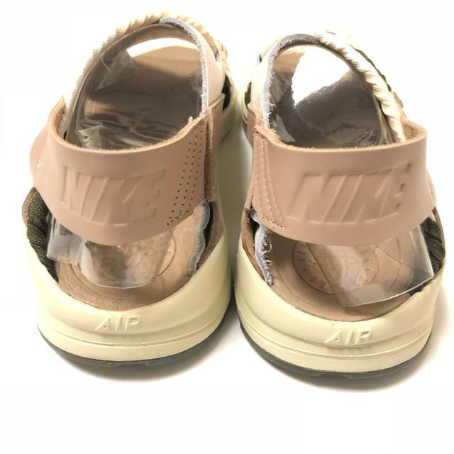 NIKE(ナイキ)のナイキ エアハラチ ウルトラ サンダル US7 23.5cm ホワイト カーキ レディースの靴/シューズ(サンダル)の商品写真