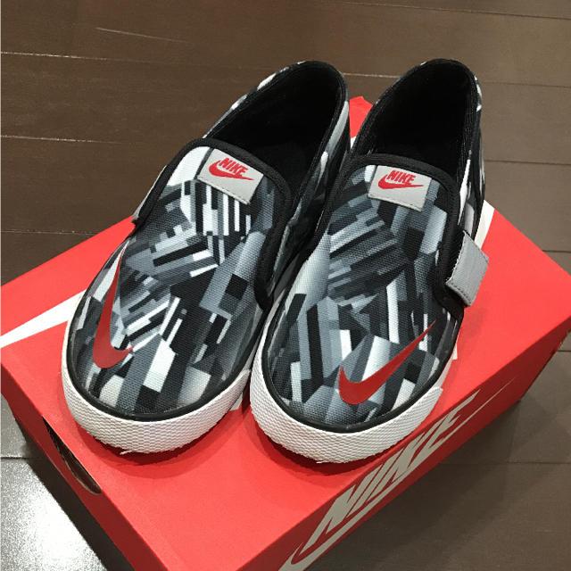 NIKE(ナイキ)のNIKEスニーカー16cm キッズ/ベビー/マタニティのキッズ靴/シューズ (15cm~)(スニーカー)の商品写真