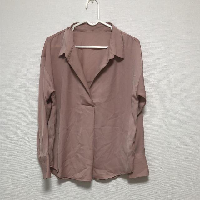 GU(ジーユー)の【新品未使用タグなし】GU エアリースキッパーシャツ レディースのトップス(シャツ/ブラウス(長袖/七分))の商品写真
