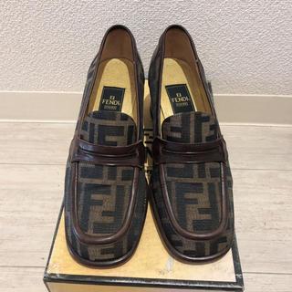 フェンディ(FENDI)のフェンディ  ローファー 美品(ローファー/革靴)