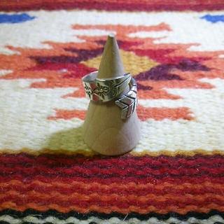インディアン(Indian)のインディアンジュエリー ナバホ族 ボーゲーリーリーブス シルバーリング 指輪 (リング(指輪))