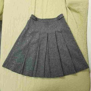 バーバリー(BURBERRY)のバーバリー スカート サイズ40 グレー(ひざ丈スカート)