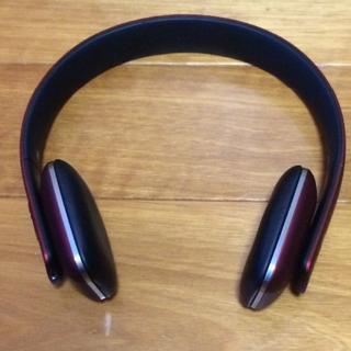 オーガスト(AUGUST)のAugust EP636 Bluetoothワイヤレスヘッドホン レッド(ヘッドフォン/イヤフォン)