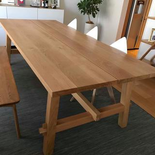 IKEA - ダイニングテーブルと椅子のセット
