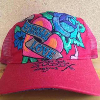 エドハーディー(Ed Hardy)の在庫処分 エドハーディー ハート バラ 刺繍 メッシュキャップ 帽子(キャップ)